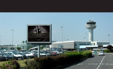 Billboards in Bordeaux airport during en primeur campaign 2011